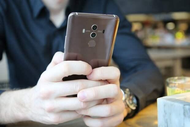 Huawei выпустила 1 млн смартфонов с собственной операционной системой