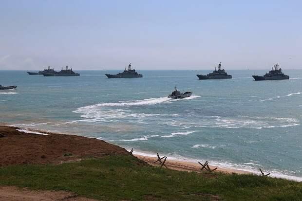 Черноморский флот вернул на базы корабли после учений в Крыму