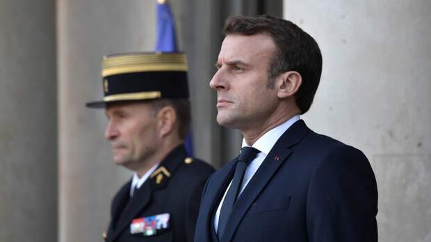 Макрон выступил с речью на 200-й годовщине смерти Наполеона