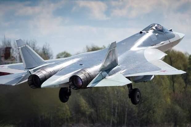 Российский истребитель Су-27 сопроводил бомбардировщик США над Балтикой