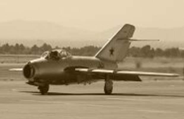 История и археология: Что делали русские МИГи в небе над Кореей, и Как развеяли миф о неуязвимости американских бомбардировщиков