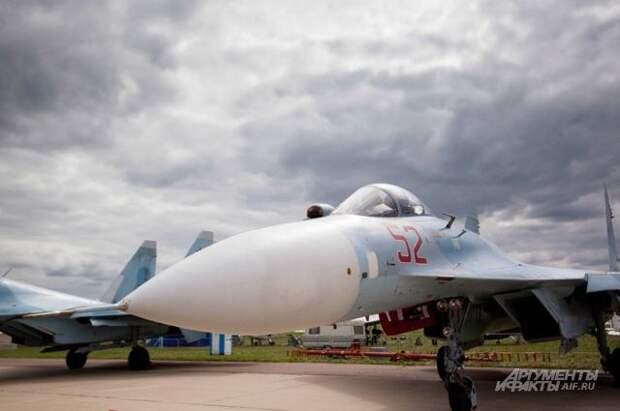 Су-27 сопроводил американский бомбардировщик над Балтийским морем