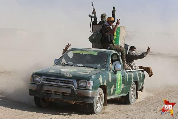 Американцы натравили суннитов против шиитов, и наоборот. Вечная политика «разделяй и властвуй». До этого в Ираке все жили мирно и спокойно Фото: Александр КОЦ, Дмитрий СТЕШИН
