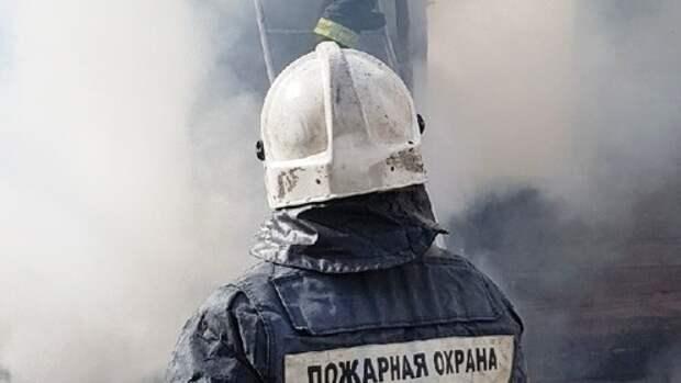 Сотрудники МЧС оперативно справились с пожаром в центре Петербурга