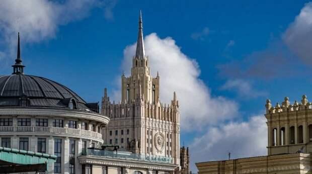 Прибалтика выслала российских дипломатов вслед за Чехией