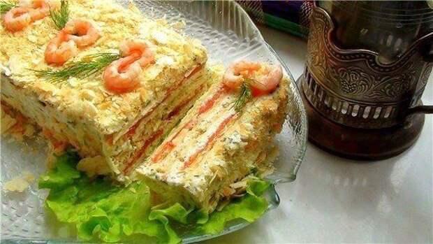 Закусочный торт Наполеон с несладкой начинкой – 4 праздничных рецепта