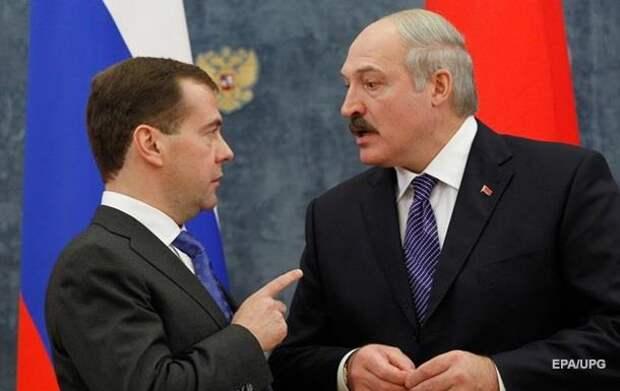 Медведев влепил пощечину потерявшему стыд Лукашенко