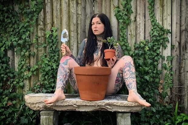 Самые креативные фото сетевого флешмоба Всемирный день обнаженного садовода