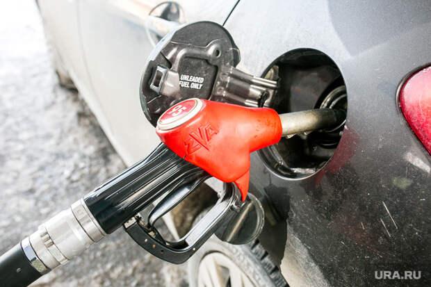 Мишустин изменил правила продажи бензина, чтобы сдержать цены