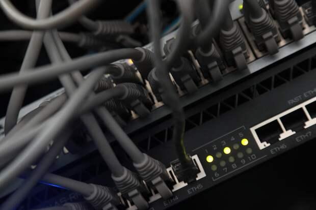 Пусть всё летит в трубу: почему США преследуют кибератаки