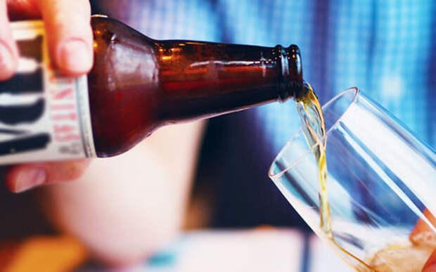 Выпивающих (но не пьющих за рулем) поставят на учет в наркодиспансер