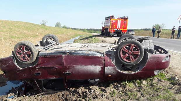 Трое пострадавших: в районе из-за ошибки водителя одной машины перевернулась другая