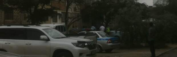 В Актау женщина разбилась насмерть, выпав из окна многоквартирного дома