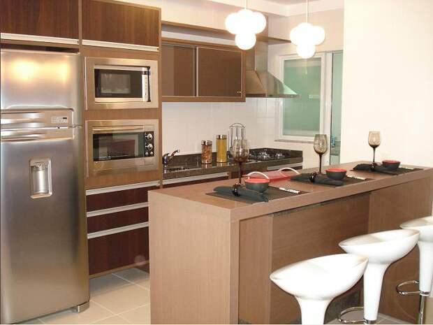 Лучшее решение преобразить интерьер кухни в кофейных тонах с небольшой, но удачно обустроенной площадью.
