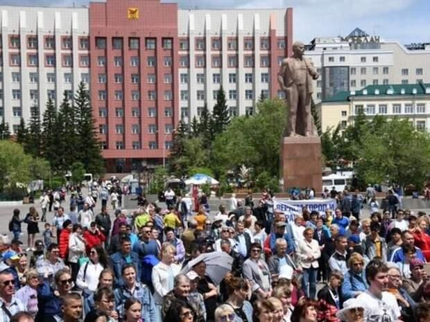 Чем опасны бесплатные хот-доги на площади Ленина