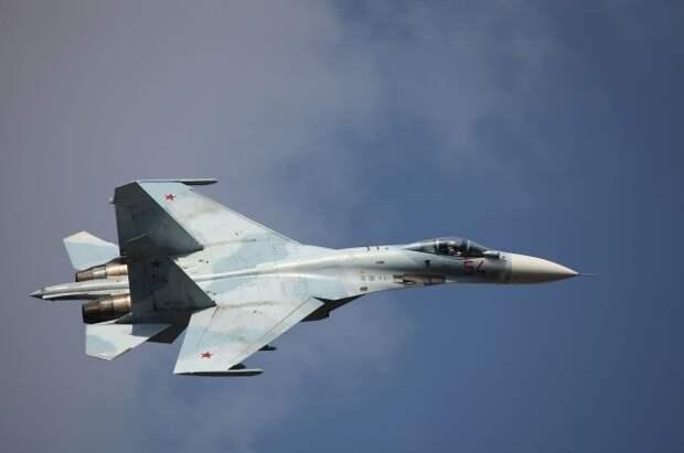 Су-27 сопроводил стратегический бомбардировщик США над Балтийским морем