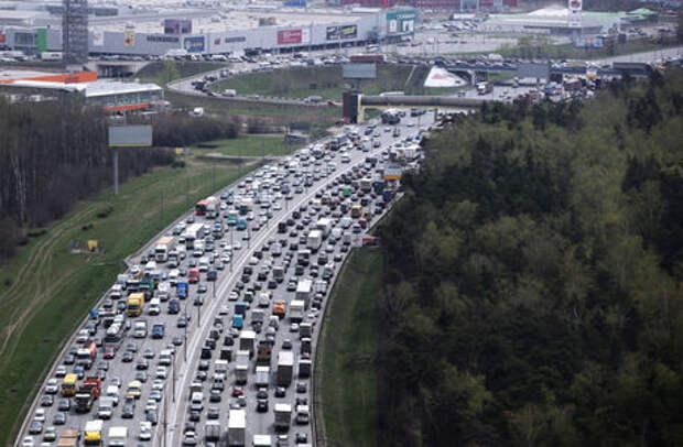 Власти Москвы предсказали «мертвые» пробки до зимы