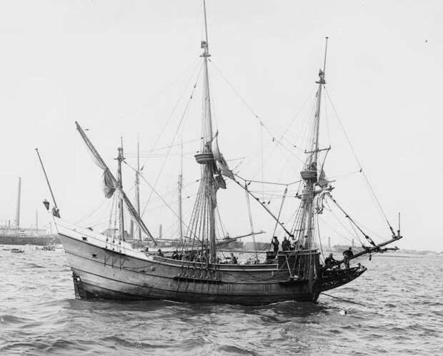 "Реплика голландского судна ""Халве Ман"""