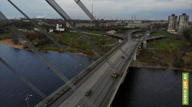 На время ремонта Октябрьского моста в Череповце запустят длинные автобусы