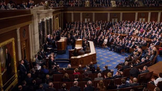 Бывший американский политик оскорбил телеведущего в прямом эфире