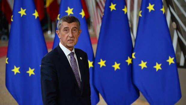"""СМИ: Чехия просит страны ЕС выслать """"хотя бы по одному"""" российскому дипломату"""