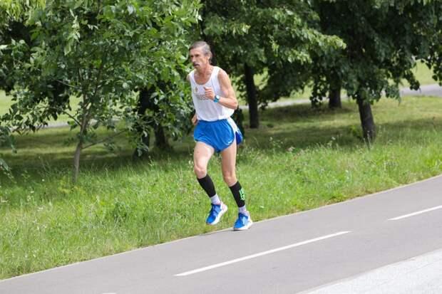 """В парке комфортно бегать как начинающим, так и продвинутым бегунам / Фото: АГН """"Москва"""""""