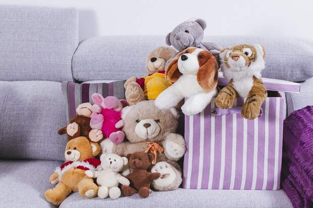 Мягкие игрушки в квартире, где нет детей, смотрятся неуместно. / Фото: ivetta.ua