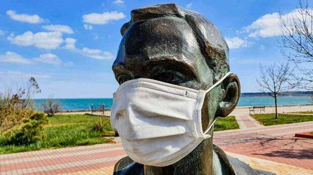 В Крыму введут ограничительные меры из-за COVID-19