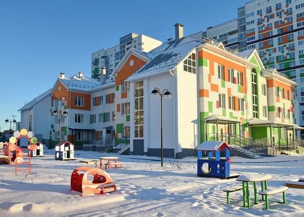 В микрорайоне Берша в Ижевске закончили строительство трехэтажного детского сада
