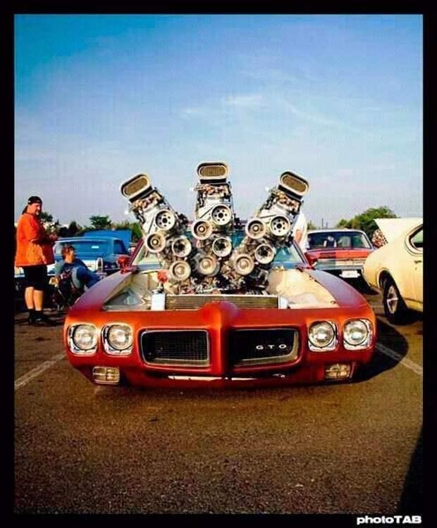 А хотите огромный, двигатель-зверь? Нет проблем интересное, машины, странные