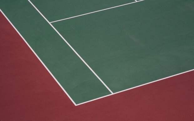 На теннисном корте «Бригантины» появится новая разметка