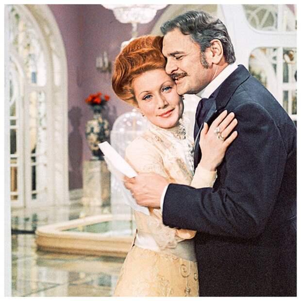 Роковой женщине из фильма «Я буду ждать...» скоро 72 года, и она по-прежнему прекрасна