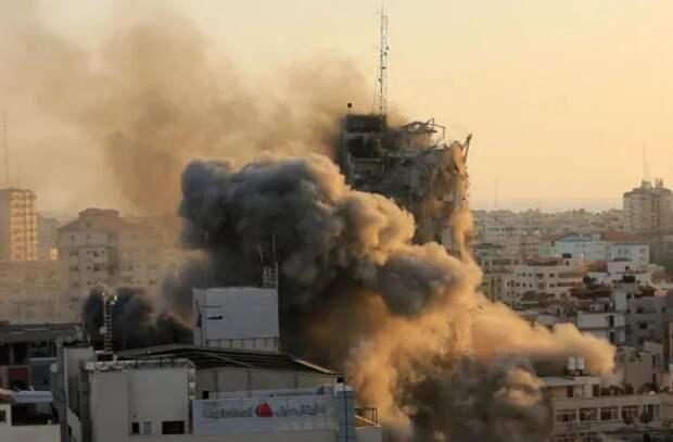 ВВС Израиля нанесли удар по 14-этажному зданию в Газе