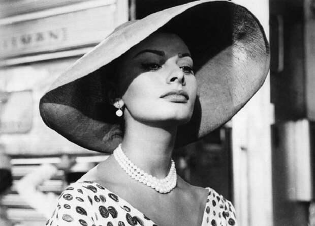 Итальянская актриса и певица.
