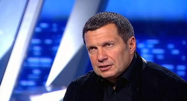 Соловьёв отчитал Чулпан Хаматову за получение вида на жительство в Латвии