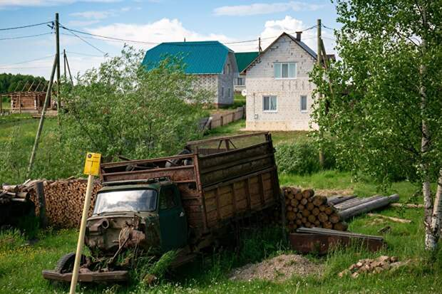 Новые дома в селе - редкость. Эти три строятся на полученные жилищные субсидии по 1 млн рублей