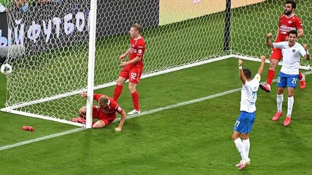 Маслов оформил автогол сезона — забил в свои ударом скорпиона. «Спартак» снова может жаловаться на судей