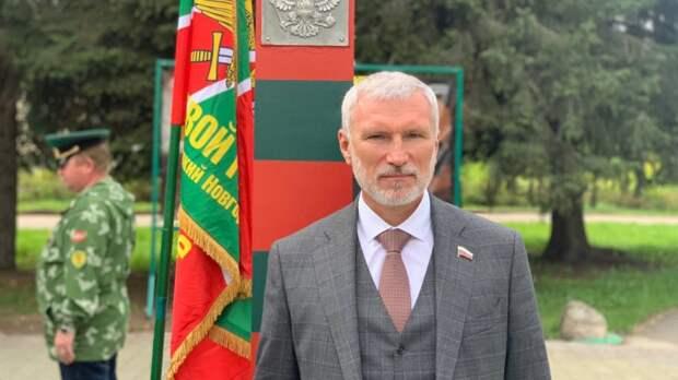 Журавлев пообещал новгородцам разобраться с проблемой поддержки многодетных семей