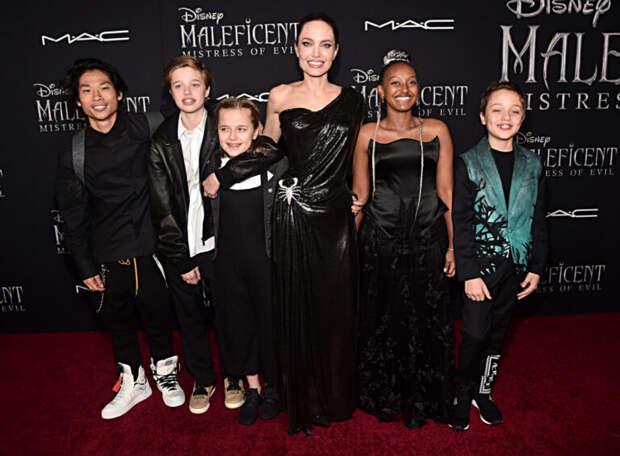 Дочь Анджелины Джоли произвела фурор