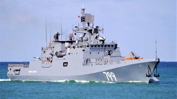 Британцы обвинили Королевский флот в страхе перед маневрами России в Ла-Манше