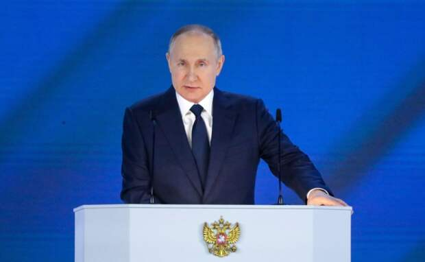 Путин поручил компенсировать половину стоимости детских путевок в лагеря и продлить программу кешбека