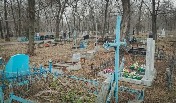 В Карелии гроб несли до катафалка на руках из-за отсутствия дороги