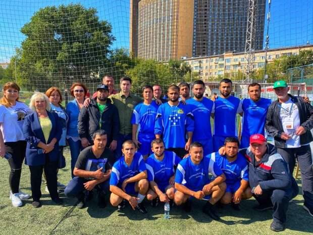 Футбольная команда коммунальщиков из Лосинки заняла третье место в окружном турнире