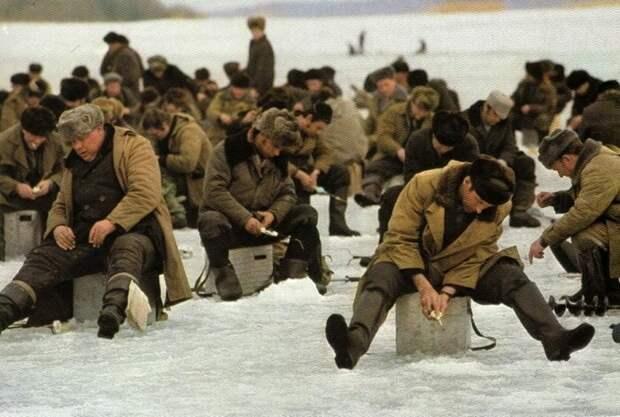 Как отдыхали мужчины в советские времена (20 фото)