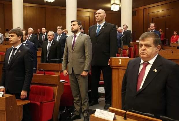 Депутаты предложили оградить Госдуму укрепрайоном, чтобы «не было, как в Америке»