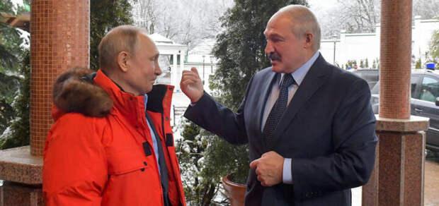 Лукашенко решил занять в России 100 миллиардов