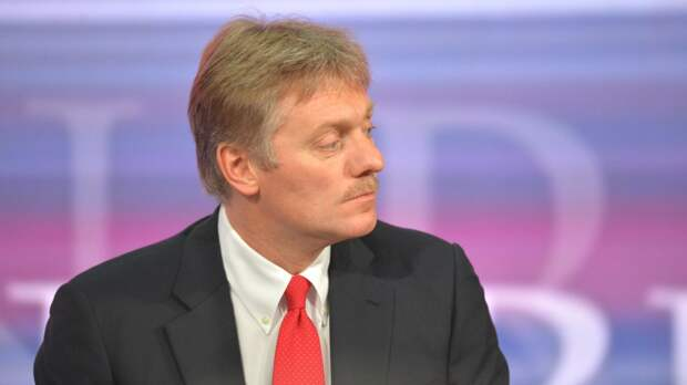 Песков сообщил, что в России не планируют вводить обязательную вакцинацию от коронавируса