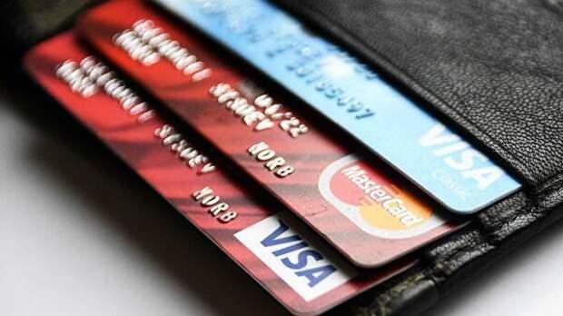 Каждый десятый российский школьник сообщает незнакомцам код банковской карты