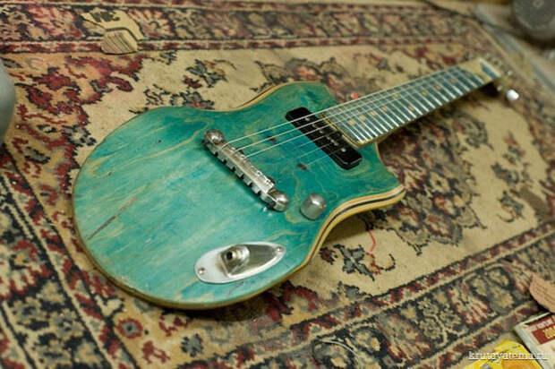 Skatar: гитара из скейтборда