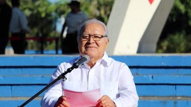 Экс-президент Сальвадора бежал в Никарагуа после обвинений в растрате госсредств